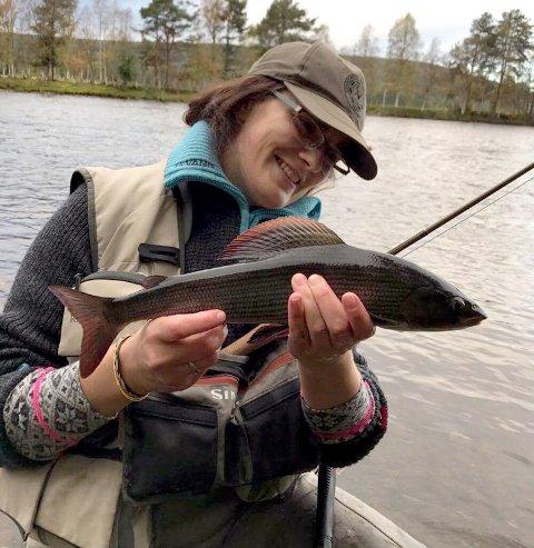 Sølv: Elin Kløvstad ?Nordsveen tok sølv i NM ?i flugefiske.Foto: Privat