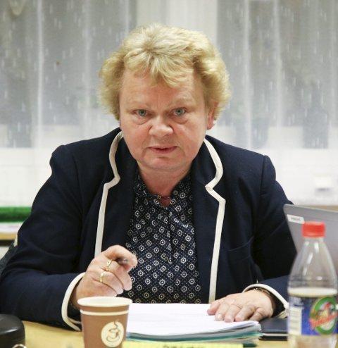 Kommunedirektør Torill Neset forteller at lag og foreninger som driver med aktivitet for barn og unge under 18 år vil bli prioritert.