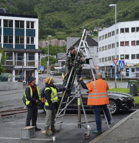 «Filmbyen»: I 2022 blir Odda på nytt vertskap for en TV-innspilling. Nå er det ITV som skal filme i Indre Hardanger. Slik så det ut under innspillingen av Mortal («Torden) i 2017. Arkivfoto: Eirin Tjoflot