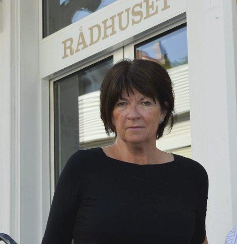 Kommunedirektør Inger Lysa opplyser at kommunen har inngått en avtale med en tidligere byggesaksbehandler.