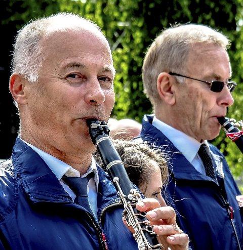 Nummer 40: Svein A. Halvorsen og resten av Sarpsborg janitsjarkorps gjør populærkonsert nummer 40 på Sarpsborg scene søndag 11. november.