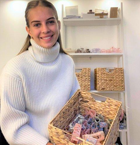 TAR AV: Hårklypesalget til Josefine Skaseth i Intemporel har tatt av, etter hun markedsførte seg på TikTok.