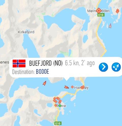 """SILDEFISKE: Søndag kveld var """"Buefjord"""", """"Øyaskjær"""" og """"Ballstadværing"""" på jakt etter sild i Reinefjorden."""
