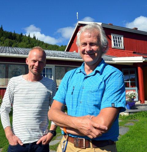 Via Ferrata: Ordførar Kjell Berge Melbybråten (t.v.) og dagleg leiar Tor Erik Grønolen ved Grønolen Fjellgard.