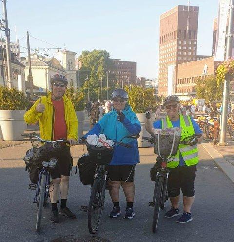 Bjørn Ivar Dalen, Grethe Dalen og Inger Frøyna Halvorsen valgte sykkelen som transportmiddel da de skulle til Oslo i sommer.