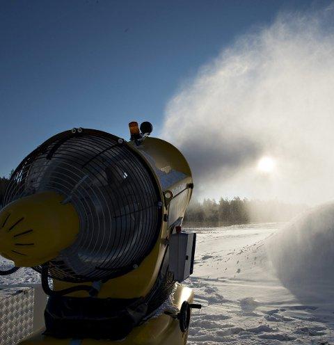 STARTER OPP: FSK håper å starte snøproduksjon på tirsdag.