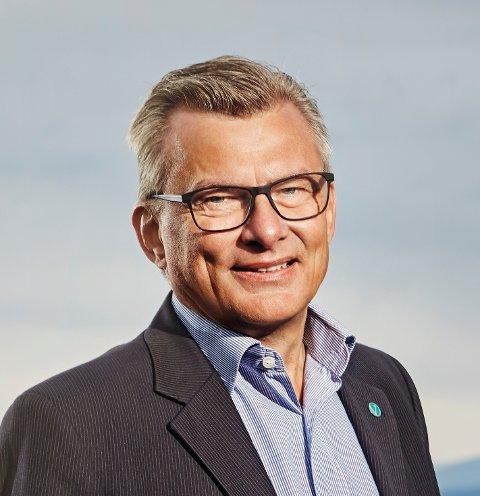 Venstre: Fylkesleder Roger Granum må tåle å se den virkeligheten som rammer enkeltbønder i Innlandet.