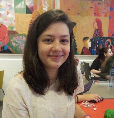 Emily Healy (16): –Jeg valgte IT fordi jeg synes det er gøy å jobbe med PC og elektronikk og fordi jeg synes teknologi er ganske spennende.