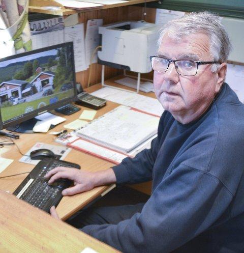 GIR SEG: Per Egil Ødenes gir seg som daglig leder for Jahr Bilservice, og overlater ansvaret til sønnen Morten.