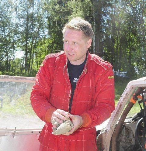 Klar for finale: Espen Mikkelsen er en av flere lokale bilcross-førere som har kvalifisert seg til årets høydepunkt: Landfinalen.Foto: Knut Erik Landgraff