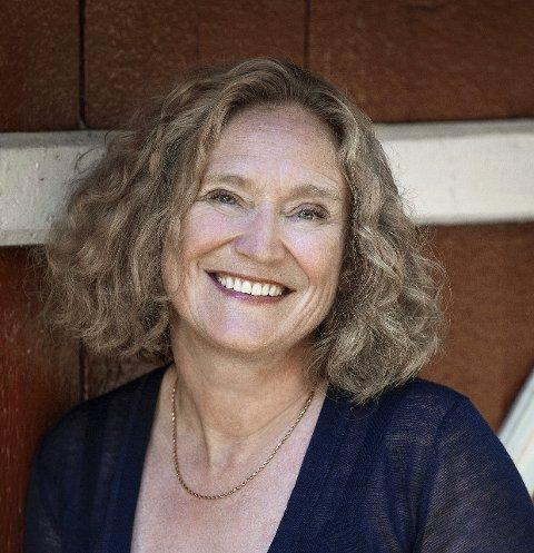 Forfatter Anne Kristine Østby kommer til Steinkjer Kirkeakademi og forteller om sine erfaring i utlandet.