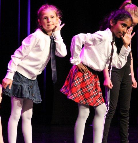 Her frå Kulturskulen i Florø si danseframsyning i 2019.