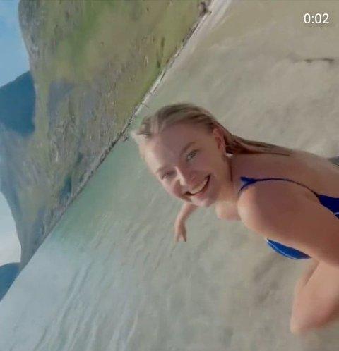 ABBA-DRØM: Artisten Astrid S delte en video der hun gjenskaper en ABBA-scene i Lofoten - en drøm, skriver hun.