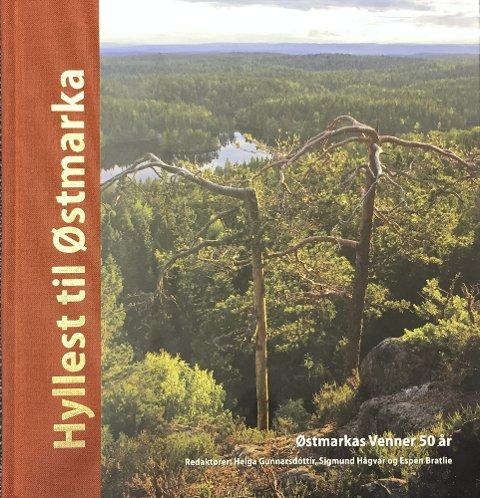 JUBILEUMSBOKA: Byr på rundt 300 sider med alt fra flotte bilder og naturskildringer til personlige beretninger, turtips, historikk, geologi, plante- og dyreliv.