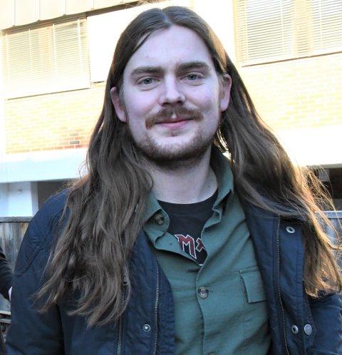 BASSMANNEN: Hallvard Gaardløs er rundens gjest i OA-podden Backstage.