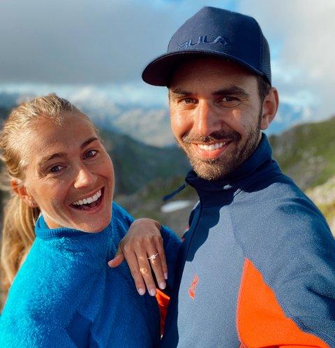 HUN SA JA: Mathias Ottosson innrømmer at han lenge har tenkt tanken på å fri til sin kjære Charlotte Jacobsen, men at han gikk ned på kne på topptur i Lofoten var en spontan avgjørelse. Nå er paret nyforlovet.