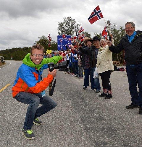 Rune Dahl er en av fire offisielle Arctic Race of Norway fotografer. Her er han i sving under et tidligere ARN.