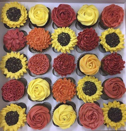 HØST: Mary har laget et sett cupcakes for å hylle høsten og høstfargene.
