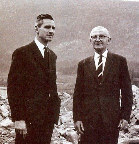 Første Søral-direktøren Eugene Keppler (t.v.) og Jens Røsland. (Foto: Kristian Hus).