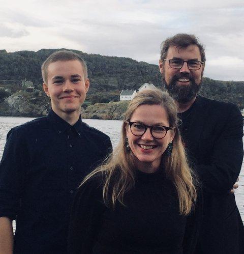 Venstre-topper: Arne Ivar Mikalsen (t.h.) fra Stokmarknes, Anja Johansen, Svolvær og Tarjei Svalbjørg fra Steigen er Nordland Venstres tre på topp. Foto: Nordland Venstre