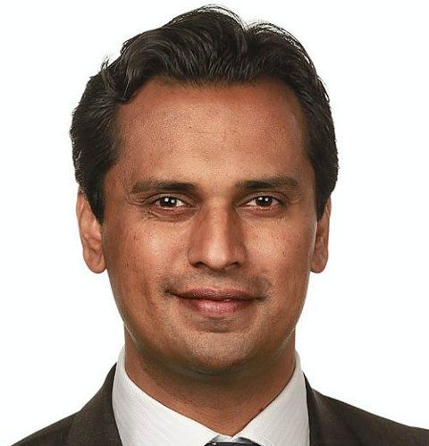 SAMFUNNSENGASJERT: Mudassar Kapur fra Ekeberg. Pressefoto: Stortinget