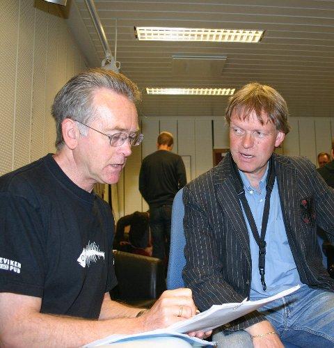 Vargtime: Krimforfatter Gunnar Stalalsen i prat med Jan Kåre Hystad. Det blir «Vargtime» både på Høvleriet og Stord lørdag.