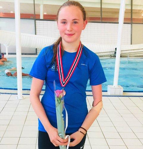 Emma Sofie Friestad hadde et fantastisk mesterskap i Drammen med blant annet gull på 50m fri.