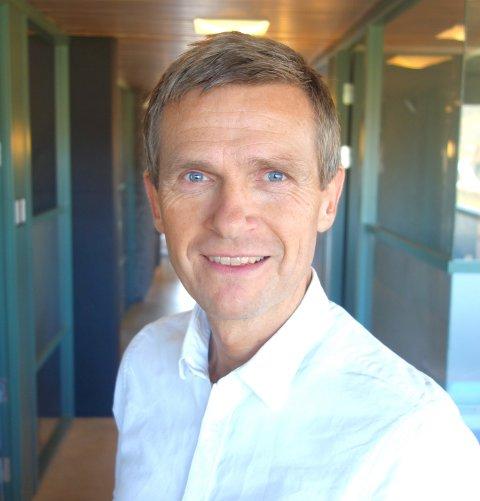 SKAL ANSETTE TRE: - Jeg tror vi skal finne TRE gode kandidater blant dem som har søkt de ledige rektorjobbene, sier kommunedirektør Terje Larsen for utdanning i Asker. (arkivfoto)