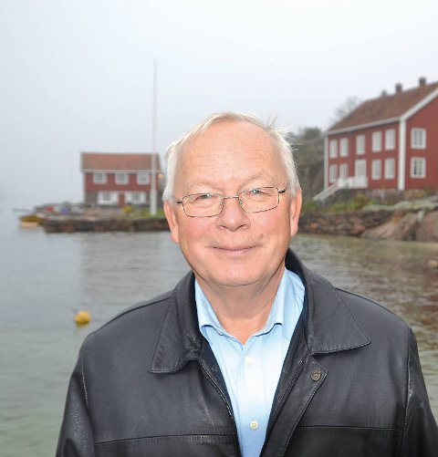 Borøy: Rolf Siljedal var blant dem som fikk tips om båtbua si. Han synes det er synd at kommunens folk må bruke tid på den slags. Arkivfoto