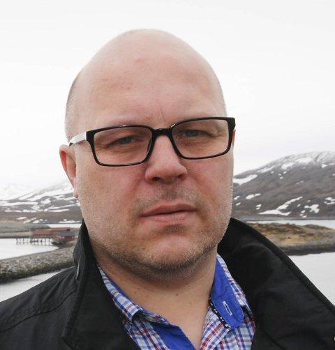KREVER DAB: Ordfører Trond Einar Olaussen krever DAB-dekning i alle bygder i Gamvik kommune. Foto: Alf Helge Jensen.