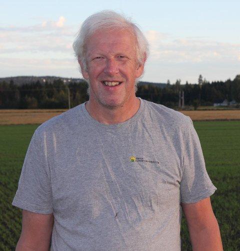 – Jeg er ofte forbundet med dårlig vær, men været er ikke mi skyld, humrer Jan Stabbetorp, som har jobbet med landbruksrådgivning i flere ti-år.