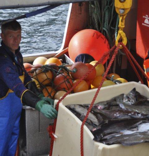 BLÅKVEITE: Johnny Ytrøy på «Suløy» er blant dem som driver med blåkveitefiske.  Foto: Kai Nikolaisen