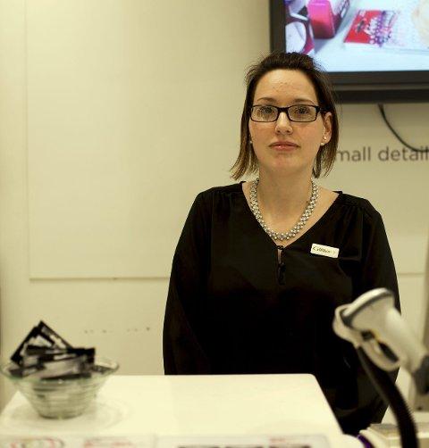 Vi blir ofte overrasket over hvem som faktisk begår tyveri, Elin Kvernmo, ansatt i smykkebutikken Glitter.