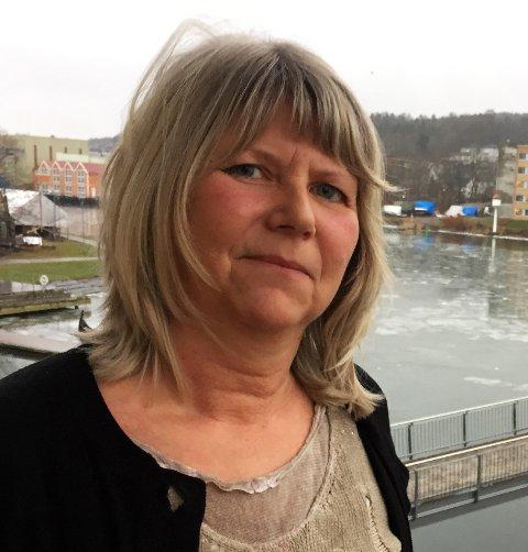 BEHOLDER JOBBEN: Inger Warhuus beholder jobben i Amedia Annonseproduksjon.