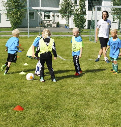 Spilte kamp: Seksåringene spilte kamp lørdag formiddag.