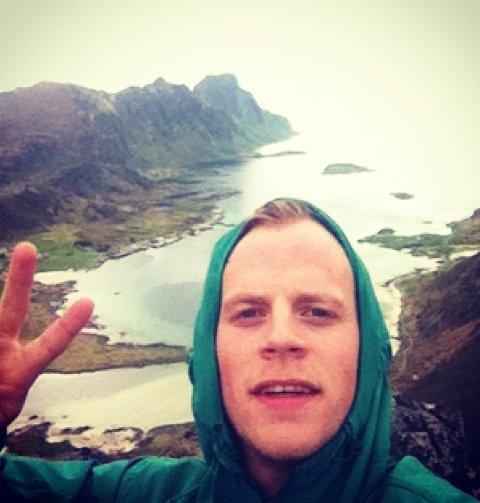 BEVEGELSE: Mats Martinsen kommer opprinnelig fra Unstad i Lofoten. Nå har han flyttet til Tromsø for å lokke folk innendørs for å trimme. Foto: Privat