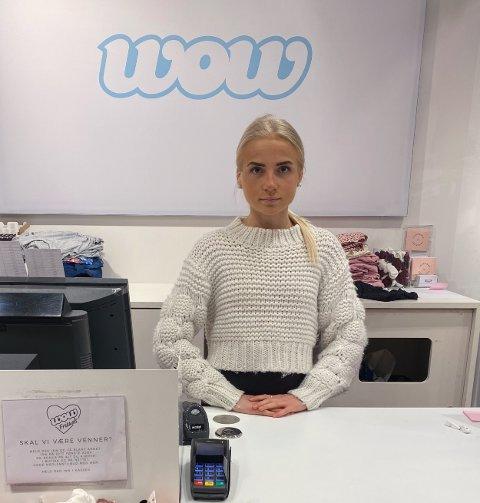 USIKRE: Butikksjef Madelen Lønnell Mortensen på Wow på Jekta fikk nyheten i mediene fredag. – Dette kom veldig overraskende, sier hun til Nord24.