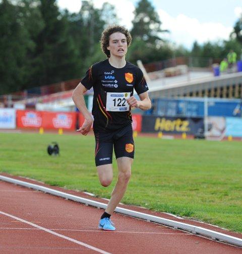 LØP BRA: Esten Hansen-Møllerud Hauen leverte et nytt bra løp da det ble sølv på 3000-meter hinder i Ungdomsmesterskapet.