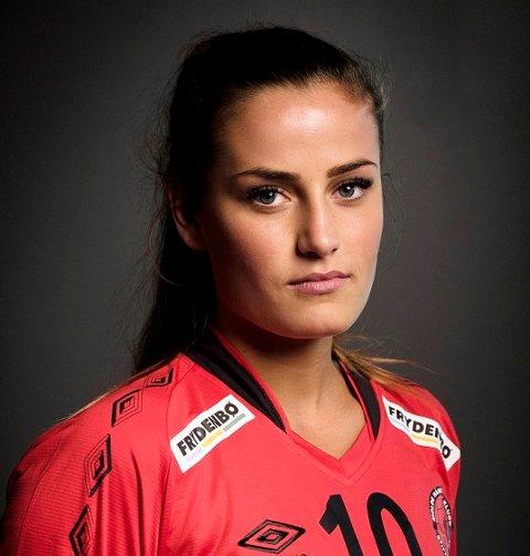 Flytrøbbel og atter flytrøbbel for Anniken Obaidli og de andre spillerne på Molde Håndballklubb.