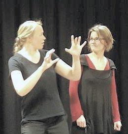 Fortellerteater:  «Valgt det ...» er en forestilling om mennesker som handelsvare. Forestillingen er basert på fakta og historier fra virkeligheten – av og med Beathe Frostad og Astrid Elise Sæterøy.