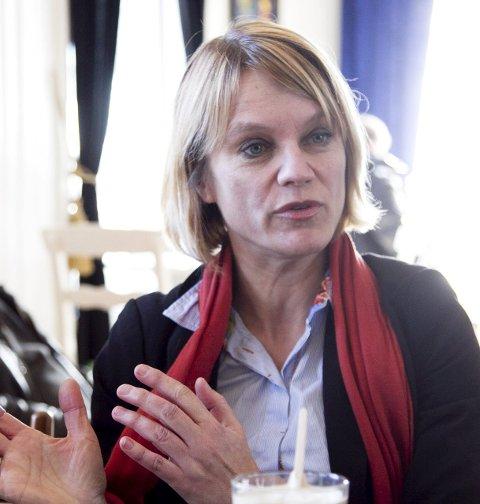HVA MED SIKKERHETEN: Nina Sandberg (Ap) mener samferdselsminister Ketil Solvik-Olsen må svare på sikkerheten i Oslofjordtunnelen.