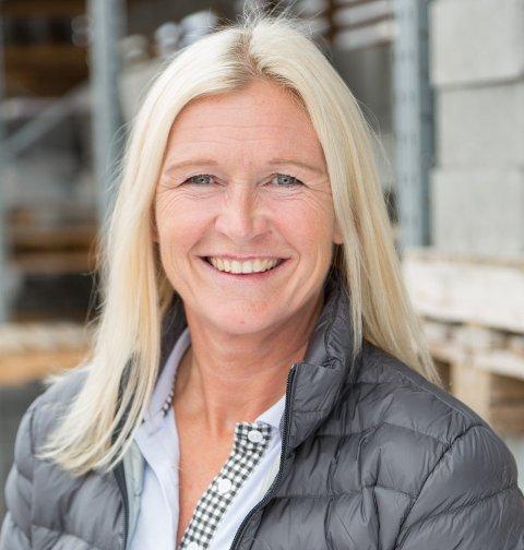 Kari Moberg er salgs- og markedsdirektør i Byggmakker.