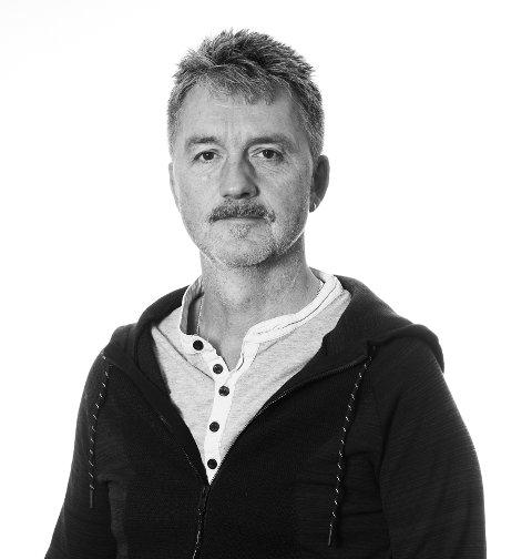 FERDIG SNAKKA: Olav Lorentsen er journalist i Trønder-Avisa og, inntil nylig, veldig glad i å reise på ferie i bobilen sin.