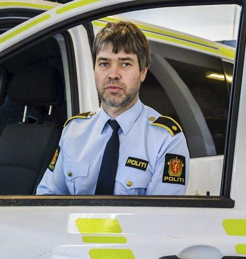 Morten Tobiassen forteller om flere innbrudd i fritidsboliger i helga. Noe av tyvgodset er funnet i en stjålet båt i Lillesand.