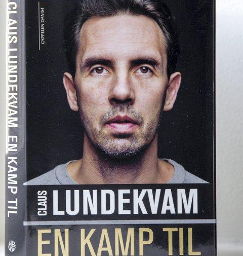 BOK: Claus Lundekvam legger alle kortene på bordet i boka «Claus Lundekvam – En kamp til», som ble gitt ut våren 2015.