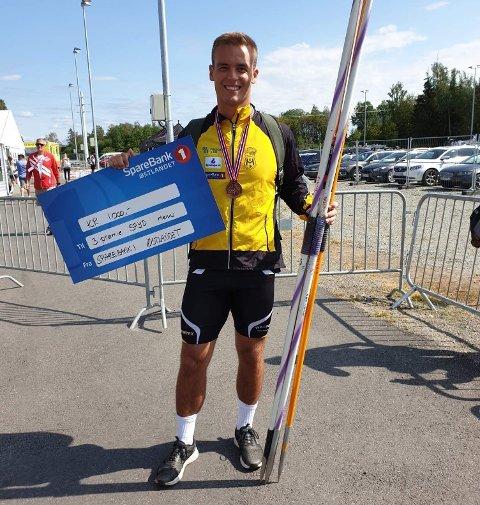 NM-BRONSE: Alexander Skorpen fra HIL har slitt med skader, og var glad for at det løsnet under hoved-NM i friidrett på Hamar.