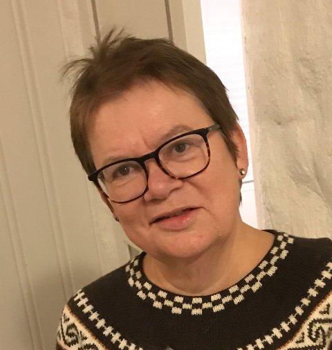 Guri Midtgard er forfatter, driver bloggen besteforeldrebloggen og har yrkesbakgrunn som sykepleier og helsesøster.