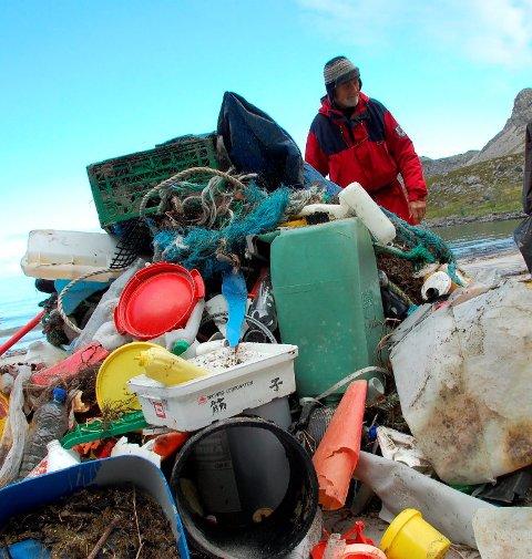 REFSVIKA: LAS ønsker frivillige til å være med å rydde på Yttersia. Det loves en flott tur med egen guide og tur opp i Refsvikhula. Arkivfoto