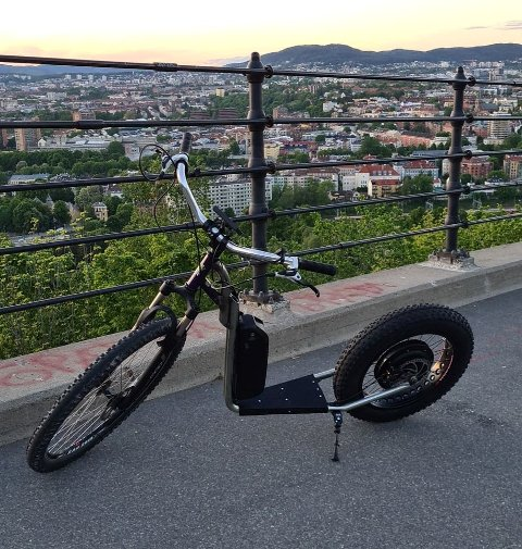 Dette er den helt spesielle sparkesykkelen til Stig Bjerkan.