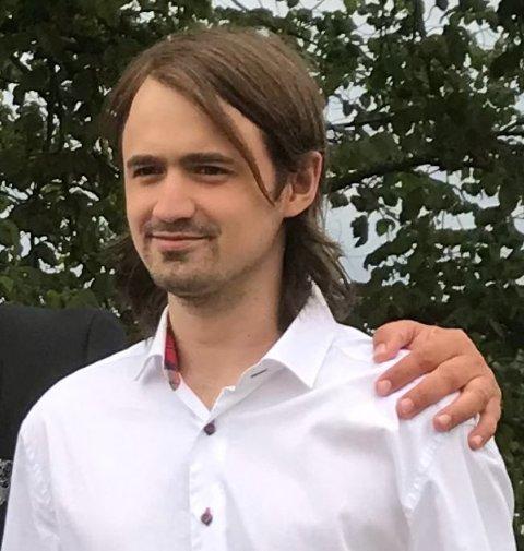 Politiet har gått ut med et oppdatert bilde av personen som er meldt savnet.